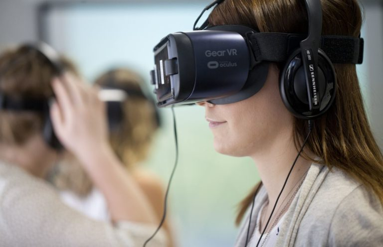 Alzheimers-Australia-Vic-Enabling-EDIE-VR-Course-05