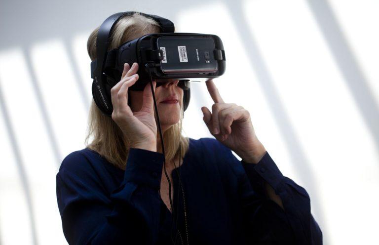 Alzheimers-Australia-Vic-Enabling-EDIE-VR-Course-08